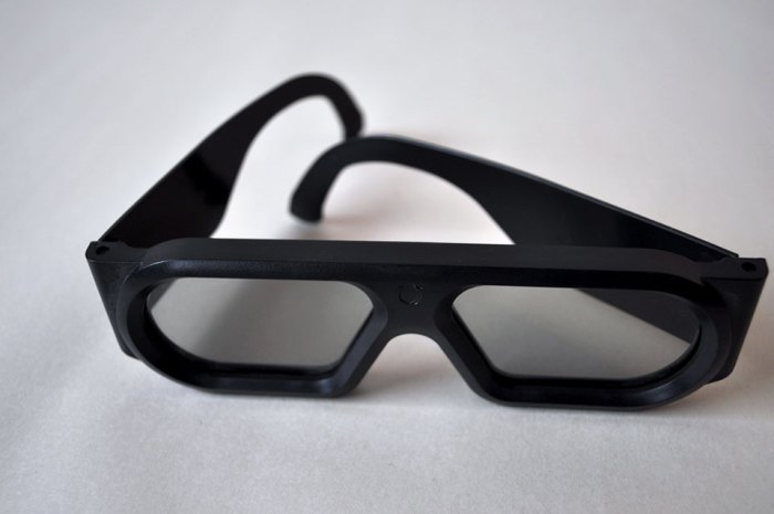 3-d glasses top view