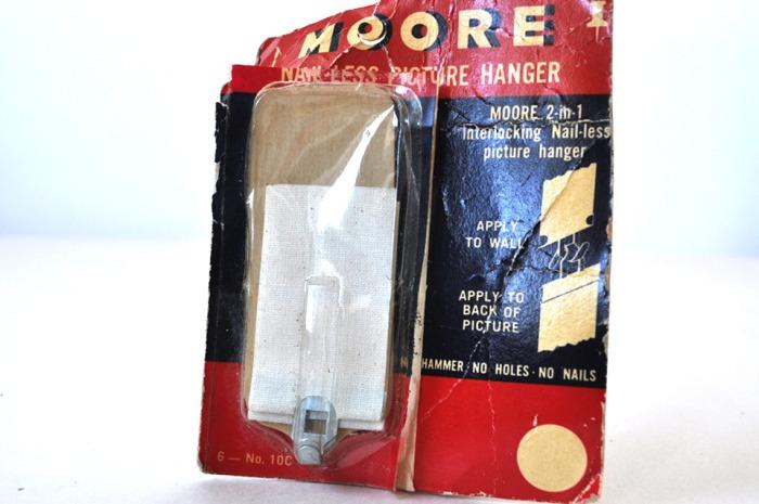 Moore's Picture Hanger