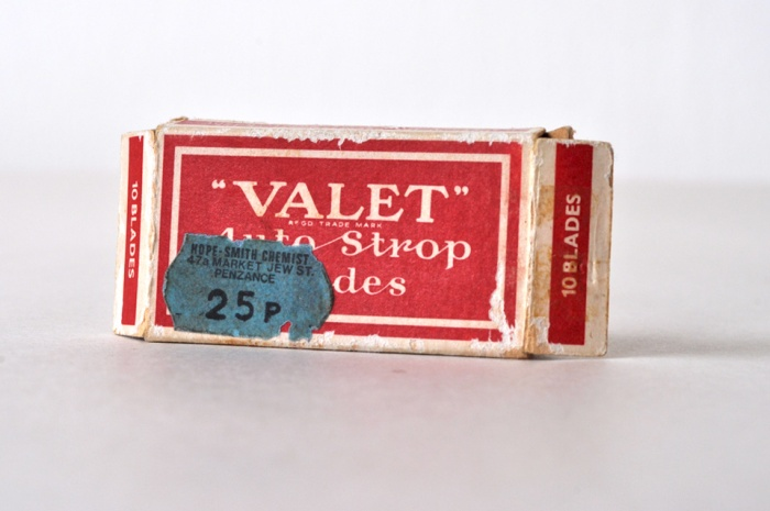 Box of Valet Razor Blades